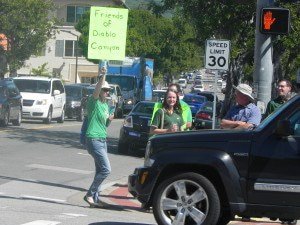 Honk in support Photo credit: Gene Nelson